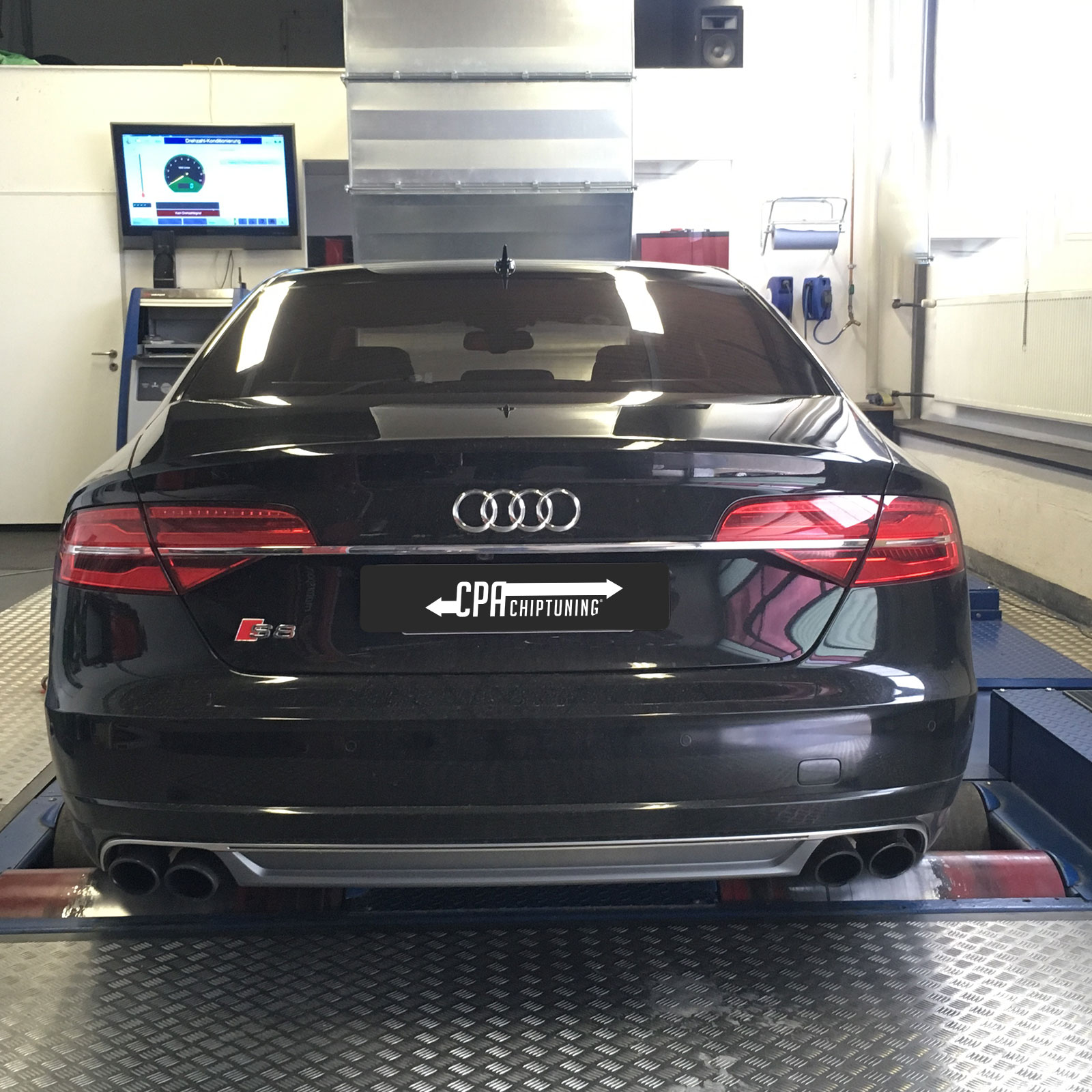 Luxury liner gets more steam: Audi S8 Plus with CPA PowerBox